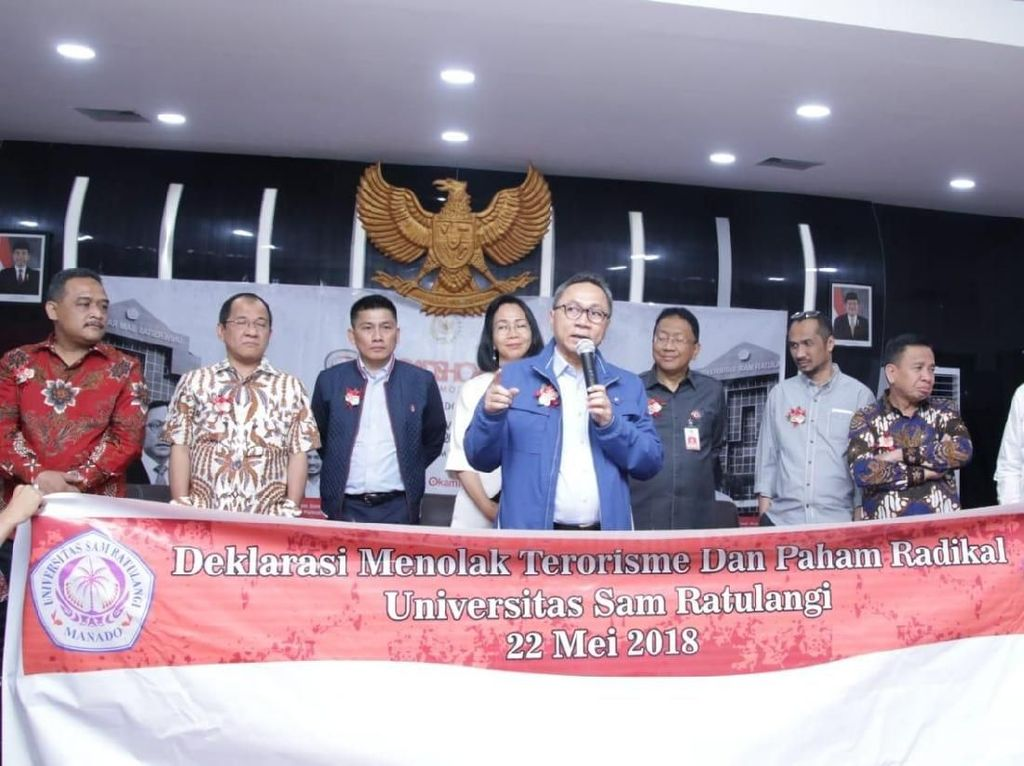 Di Manado, Zukifli Hasan Pimpin Deklarasi Tolak Terorisme