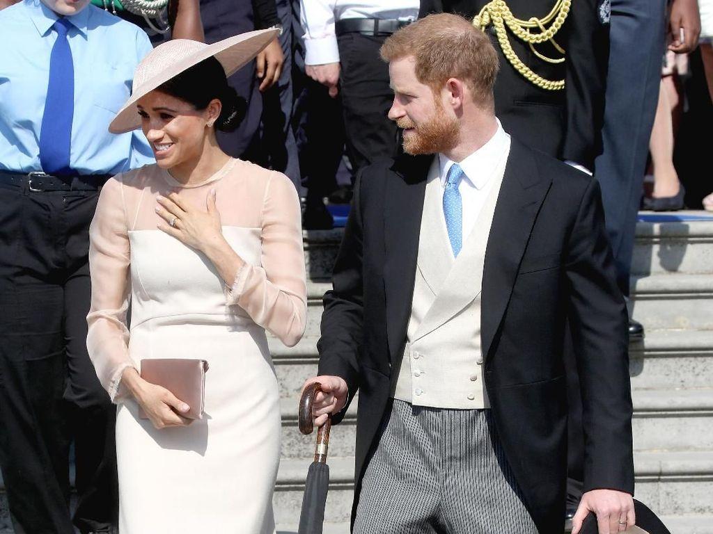 Kamu Nggak akan Lihat Benda Ini Dipakai Kate Middleton dan Meghan Markle
