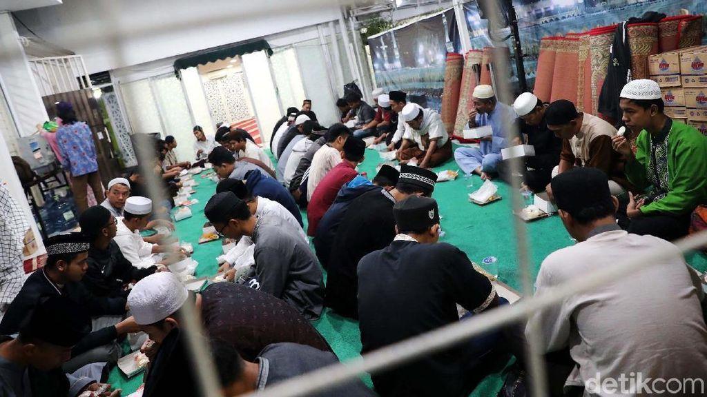 Suasana Buka Puasa di Masjid An Nahl The Icon BSD City