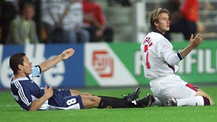 David Beckham dan Diego Simeone di Piala Dunia 1998 (AFP PHOTO / GERARD CERLES)