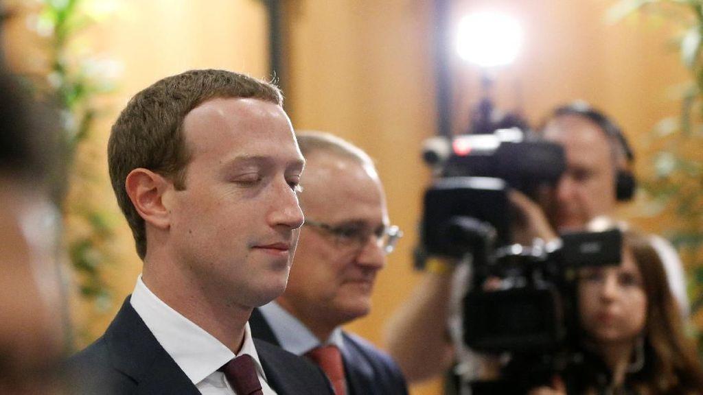 Mengintip Zuckerberg Dicecar Parlemen & Disambut Demo
