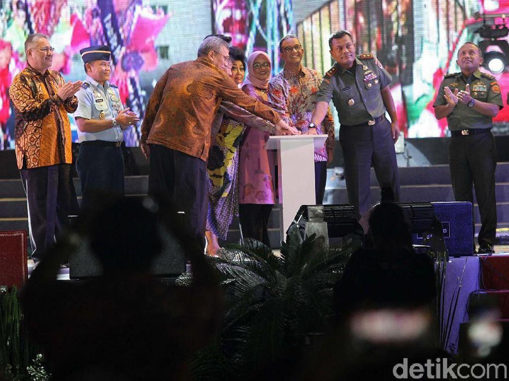 Video Gubernur Anies Resmi Buka Jakarta Fair 2018