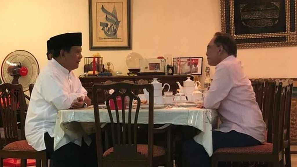 Potret Pertemuan Prabowo-Anwar Ibrahim Bahas Reformasi Malaysia