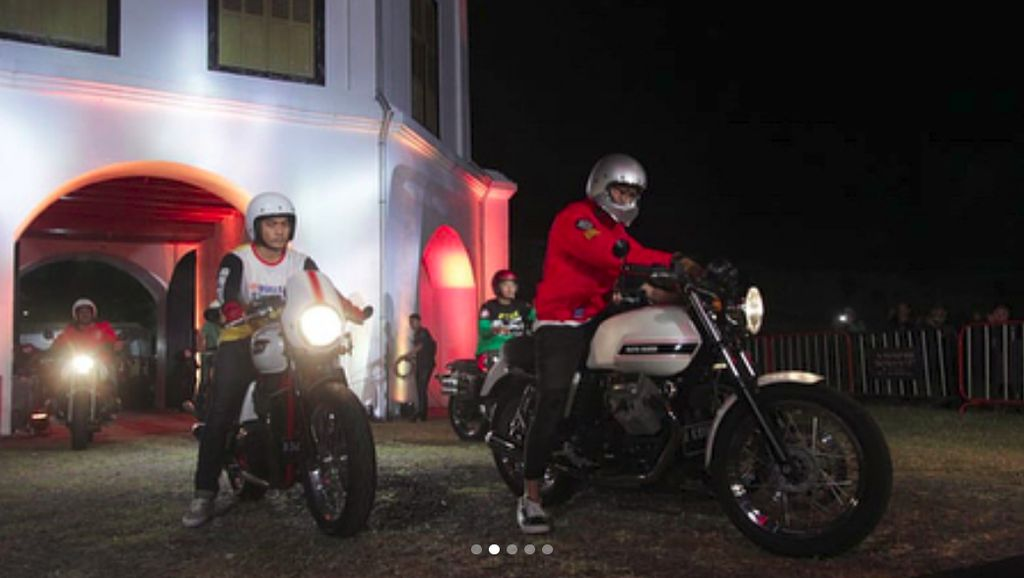 Gaya Gibran Main Motor, Nggak Kalah Sama Jokowi