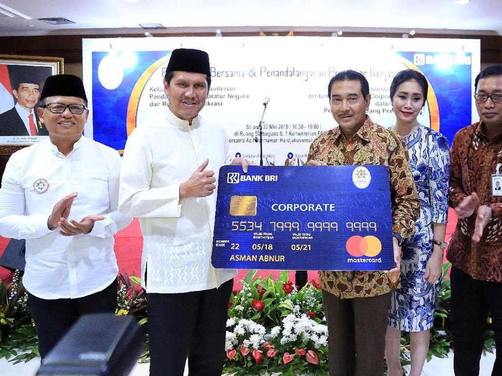 Permudah Transaksi, Kemenpan RB Gunakan BRI Corporate Card