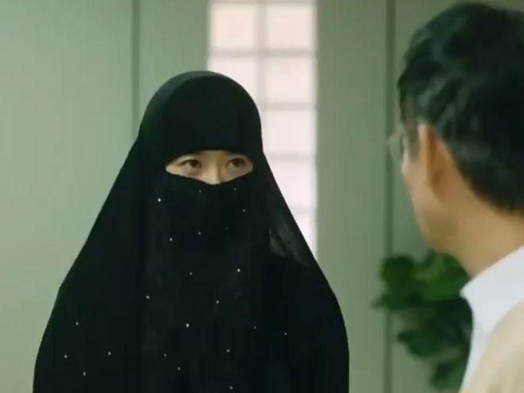 Heboh, Aktris Cantik Go Ara Pakai Cadar di Drama Korea