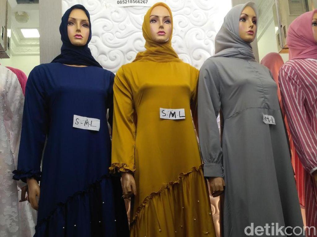 Gamis Seperti Ini Jadi Tren Baju Lebaran 2018 di Tanah Abang