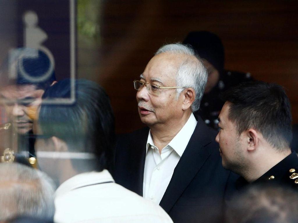 6 Jam Ditanyai Komisi Antikorupsi Malaysia, Ini Komentar Najib