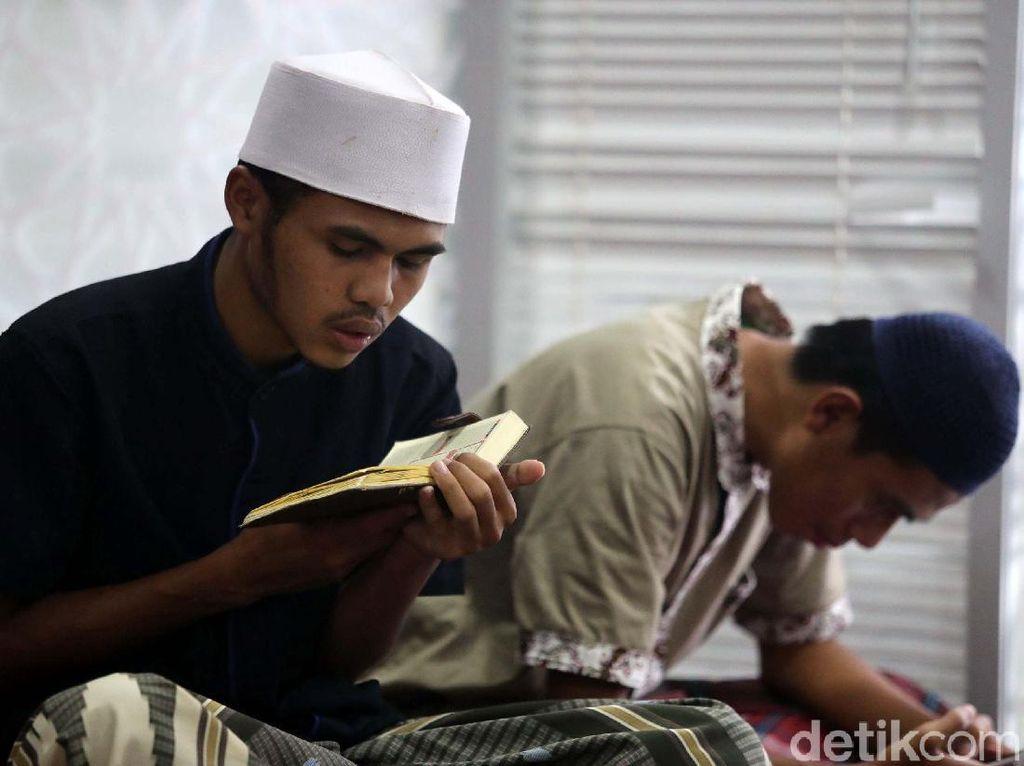 Biar Kuat Tadarus Al-Quran, 10 Makanan Ini Bisa Bantu Sehatkan Mata