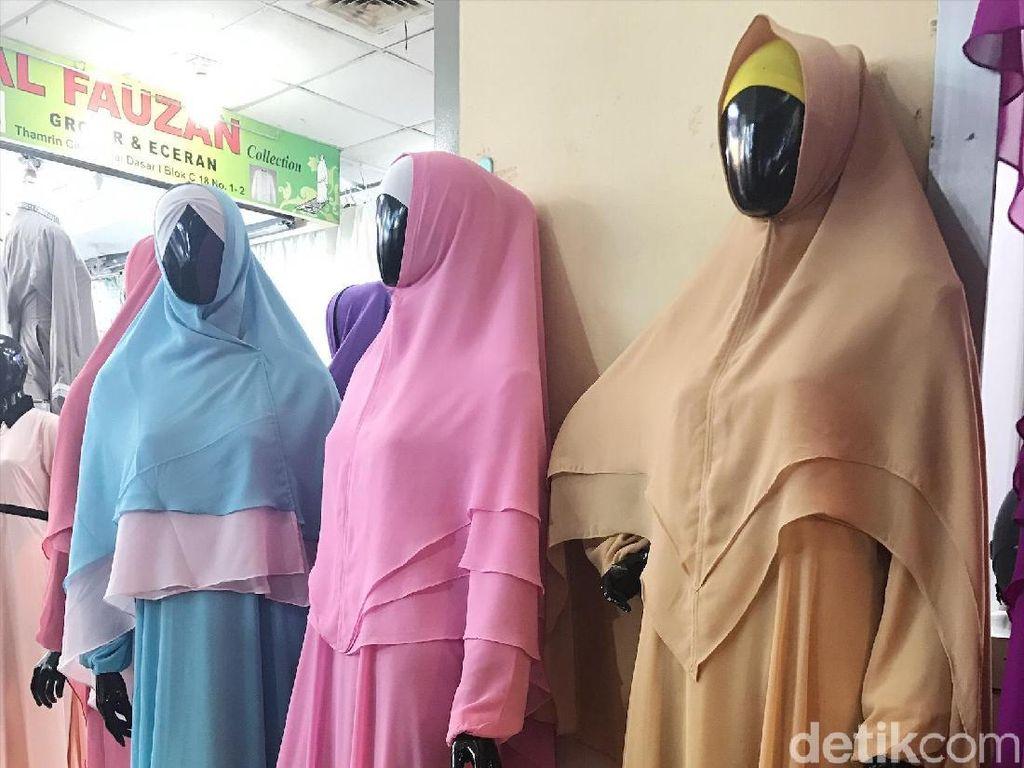Tren Ramadan: Khimar Makin Jadi Primadona di Tanah Abang