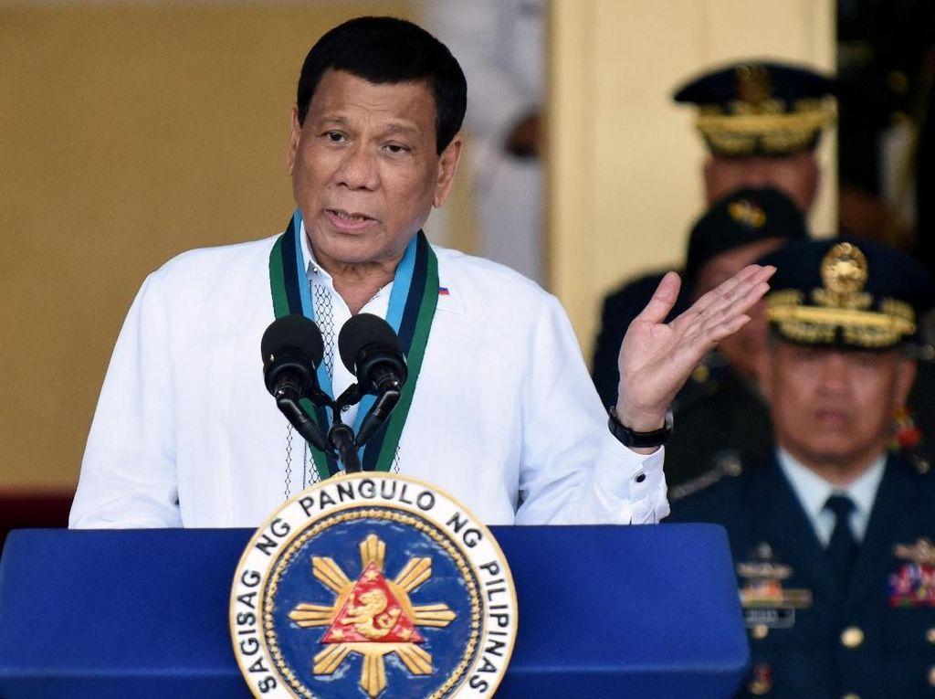 Sebut Tuhan Bodoh, Duterte Banjir Kecaman