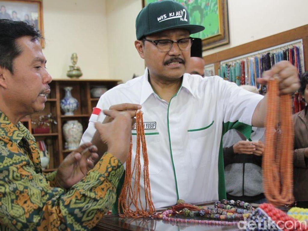 Gus Ipul Ingin Kembangkan Potensi Sentra Manik-manik Jombang
