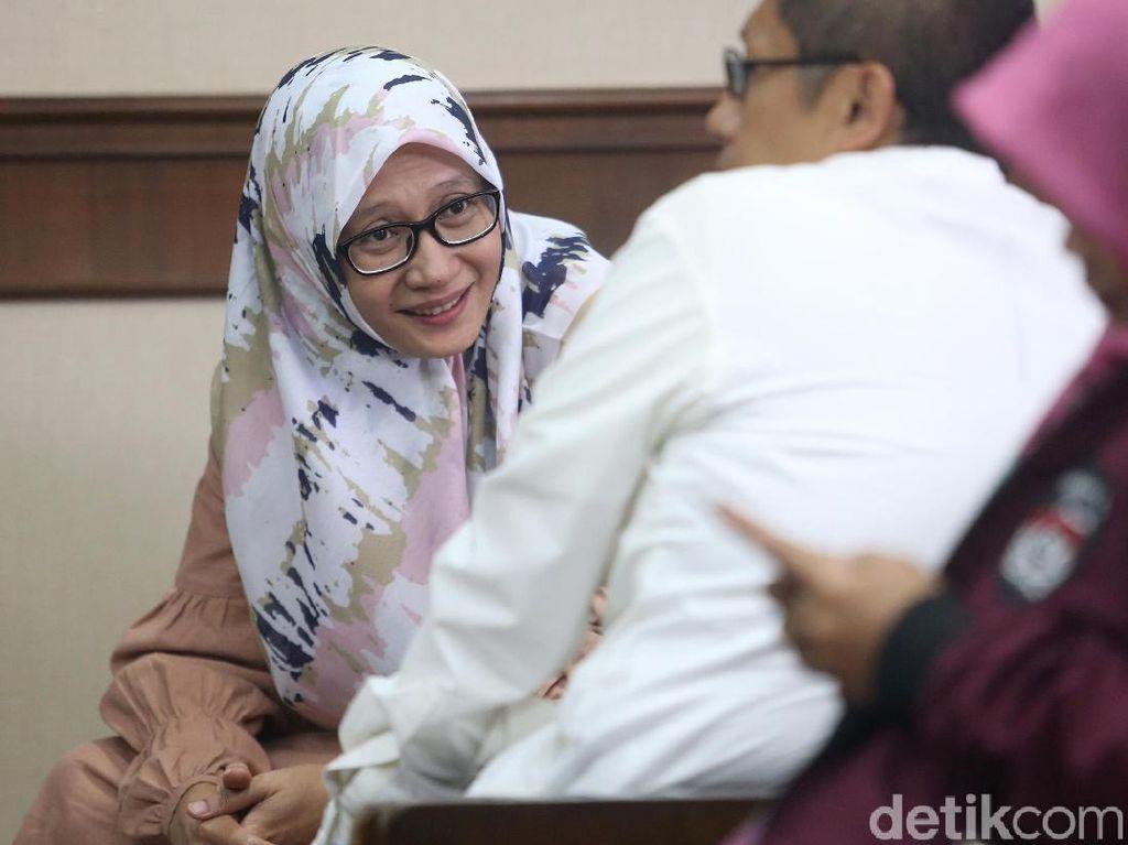 Ditemani Istri, Anas Urbaningrum Ajukan PK Kasus Hambalang