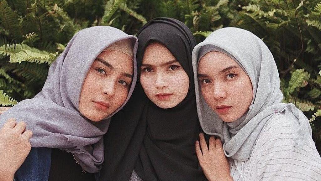 Foto: Deretan Hijabers Cantik yang Masuk Manajemen Selebgram Awkarin