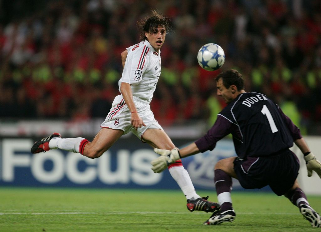 ISTANBUL, TURKEY - MAY 25:  AC Milan forward Hernan Crespo of Argentina scores the third goal past Liverpool goalkeeper Jerzy Dudek of Poland during the European Champions League final between Liverpool and AC Milan on May 25, 2005 at the Ataturk Olympic Stadium in Istanbul, Turkey.  (Photo by Alex Livesey/Getty Images)