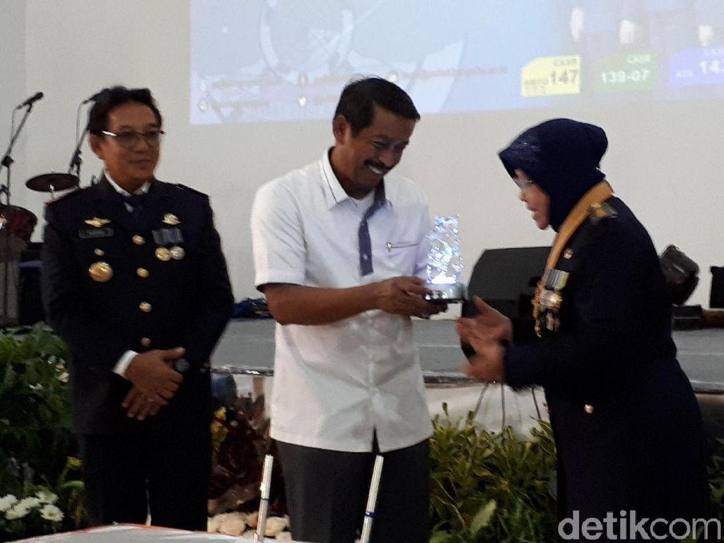 Risma Buka Peluang untuk Arek-arek Suroboyo jadi Teknisi Lion Air