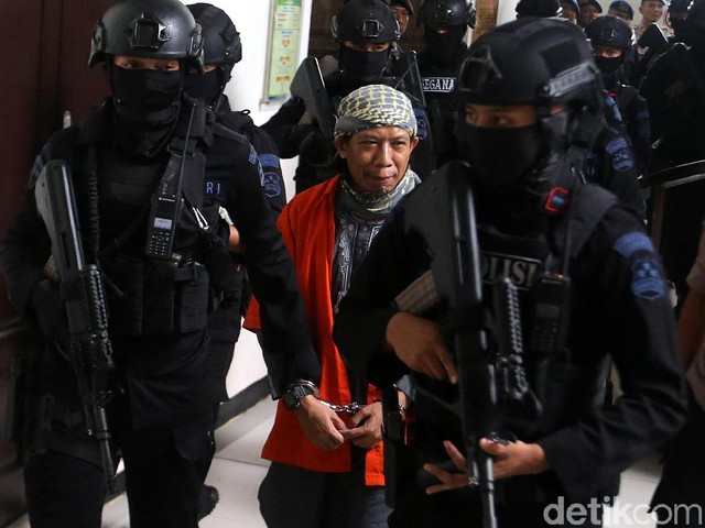 Abdurrahman Tiba di PN Jaksel dengan Pengawalan Ketat