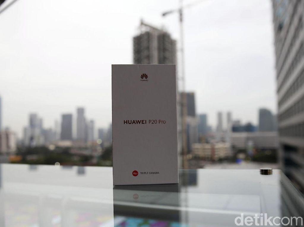Unboxing Huawei P20 Pro dengan Tiga Kamera Leica