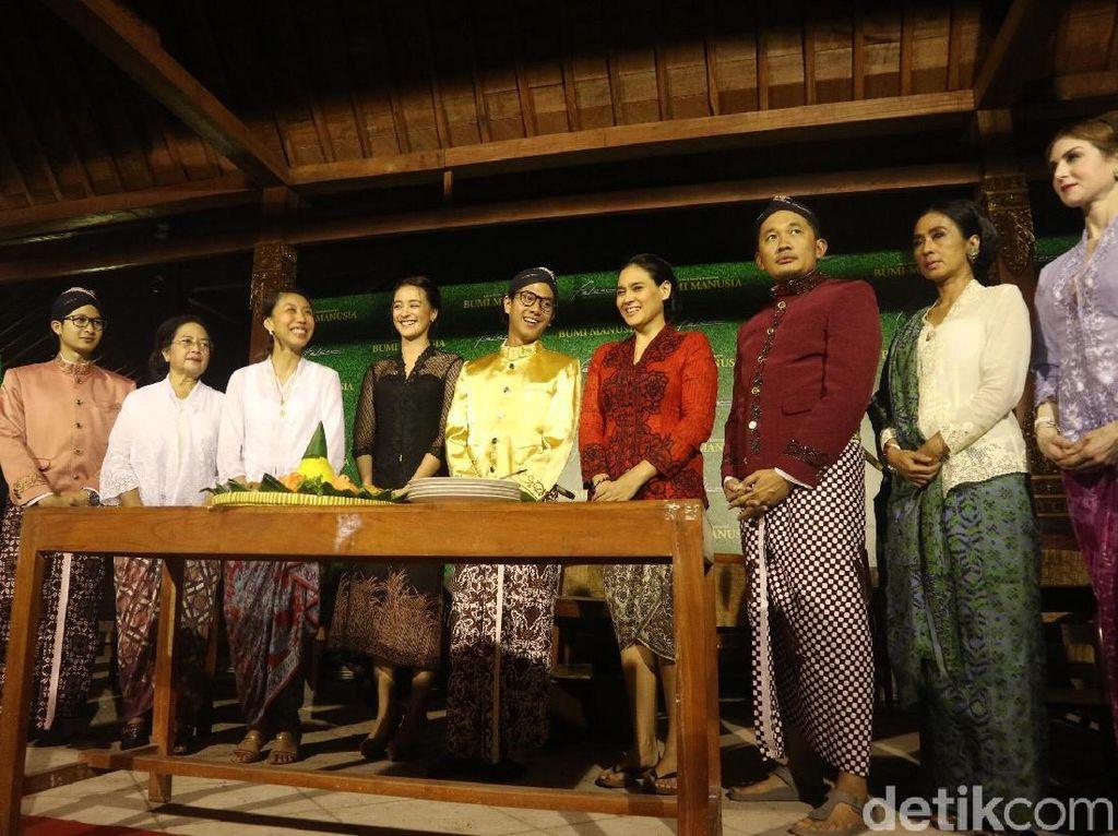Pemain Bumi Manusia Sowan ke Sri Sultan Hamengkubuwono X