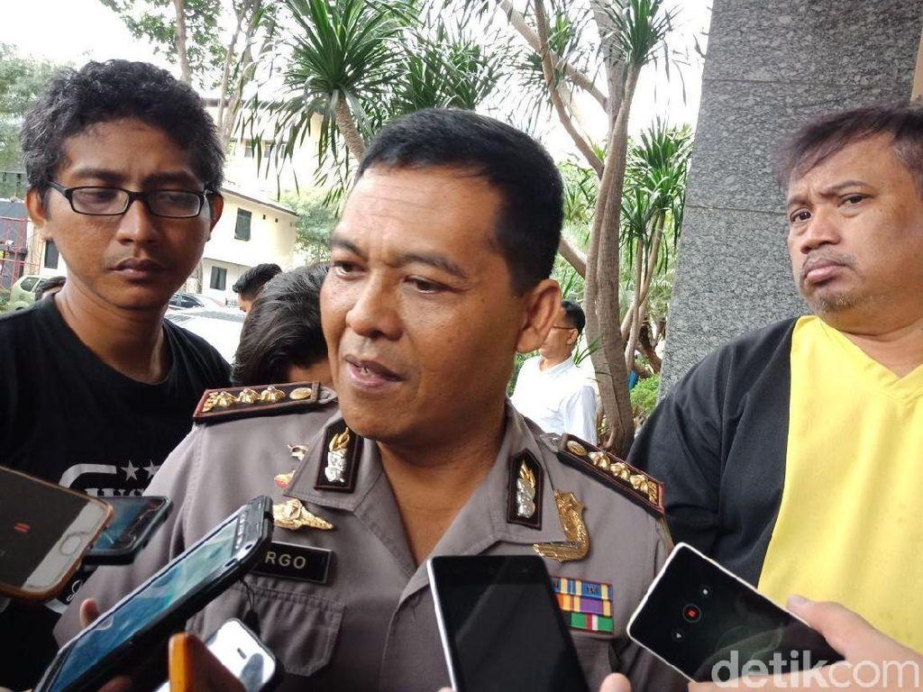Polisi: Kadisbudpar Diperiksa soal Izin Bagi-bagi Sembako Monas