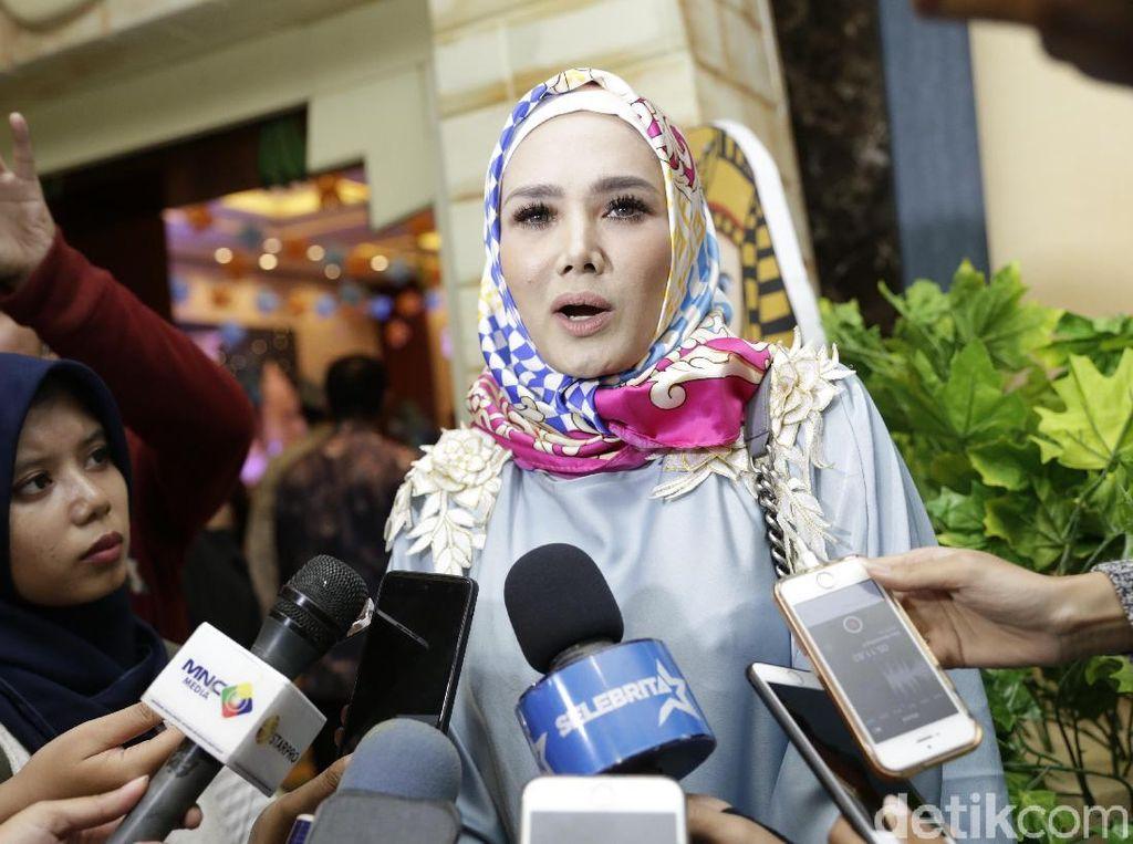 Mulan Jameela Tanya Beda Vaksin Versi Bambang Brodjo dan Erick Thohir