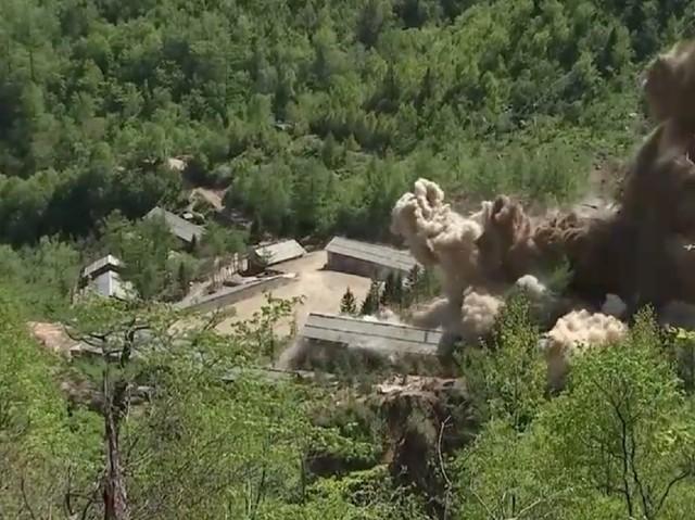 Detik-detik Peledakan 3 Terowongan Nuklir Korut