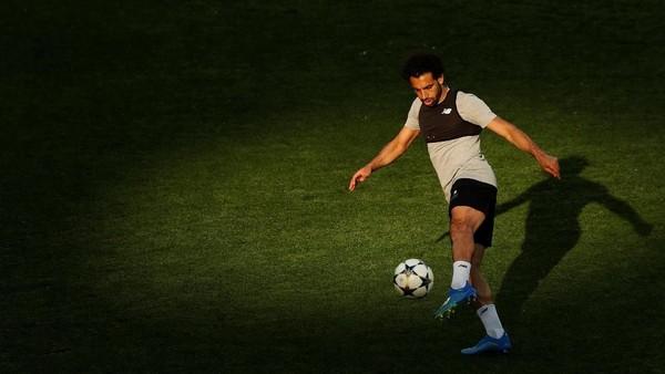 Salah Belum Pantas Dibandingkan dengan Ronaldo-Messi