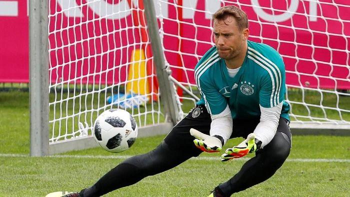 Manuel Neuer akan jadi kiper utama timnas Jerman jika berangkat ke Piala Dunia 2018 (Foto: Leonhard Foeger/Reuters)