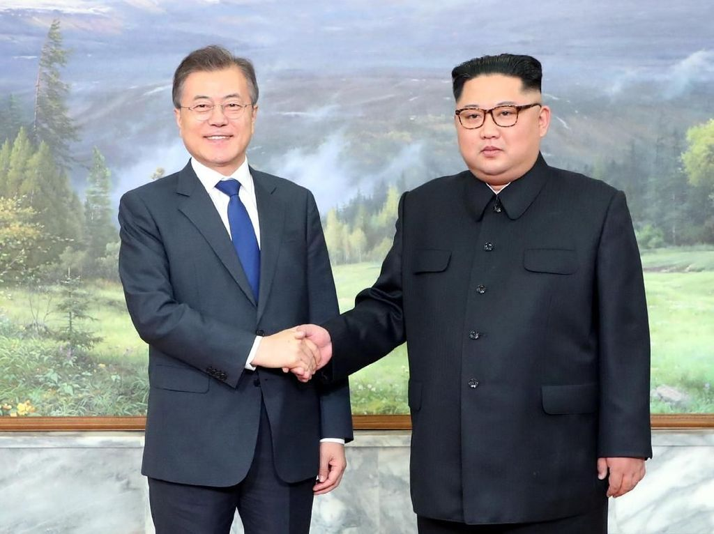 Surati Presiden Moon, Kim Jong-Un Dorong Denuklirisasi Semenanjung Korea