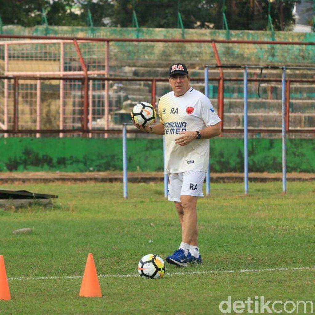 Robert Rene Alberts Beri Sinyal Bertahan di PSM Makassar