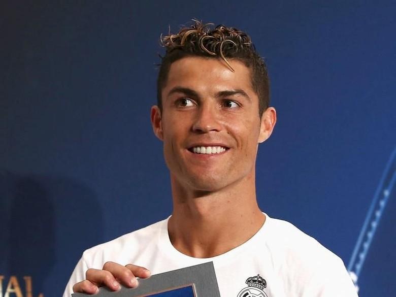 Depak Ronaldo, Mayweather Atlet Berpenghasilan Terbesar di Dunia