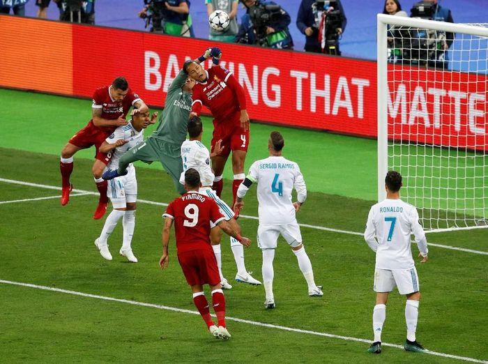 Real Madrid mengalahkan Liverpool saat menjalani final Liga Champions 2018. Di NSC Olimpiyskiy Stadium, Kiev, Minggu (27/5/2018) dinihari WIB, El Real menang 3-1. (Foto: Phil Noble/Reuters)