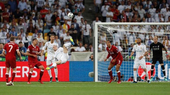 Gareth Bale saat mencetak gol untuk Real Madrid ke gawang Liverpool. (Foto: Andrew Boyers/Action Images via Reuters)