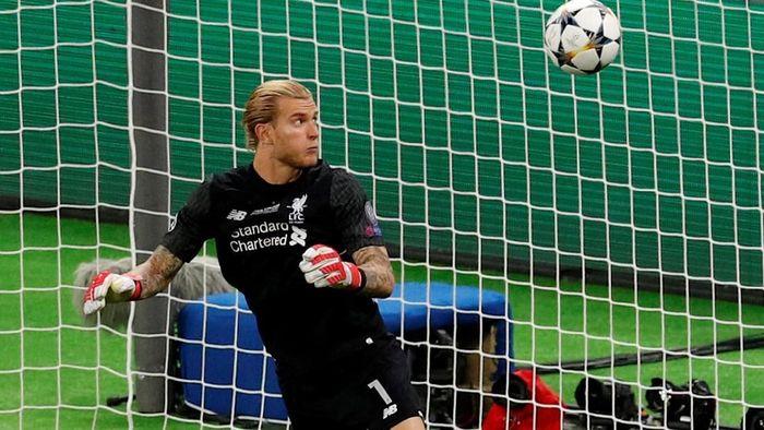 Loris Karius bikin dua blunder fatal di final Liga Champions, berujung kekalahan Liverpool. (Foto: Phil Noble/Reuters)