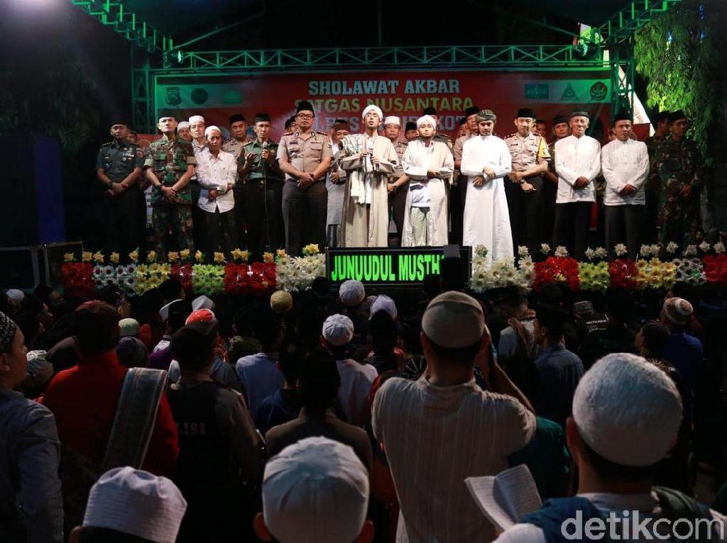 Shalawat Akbar Satgas Nusantara Gelar Doa Bersama Lawan Teroris
