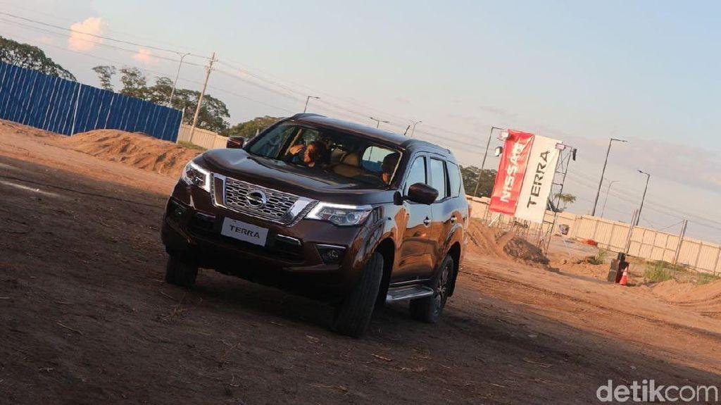Pesaing Fortuner dan Pajero Sport dari Nissan