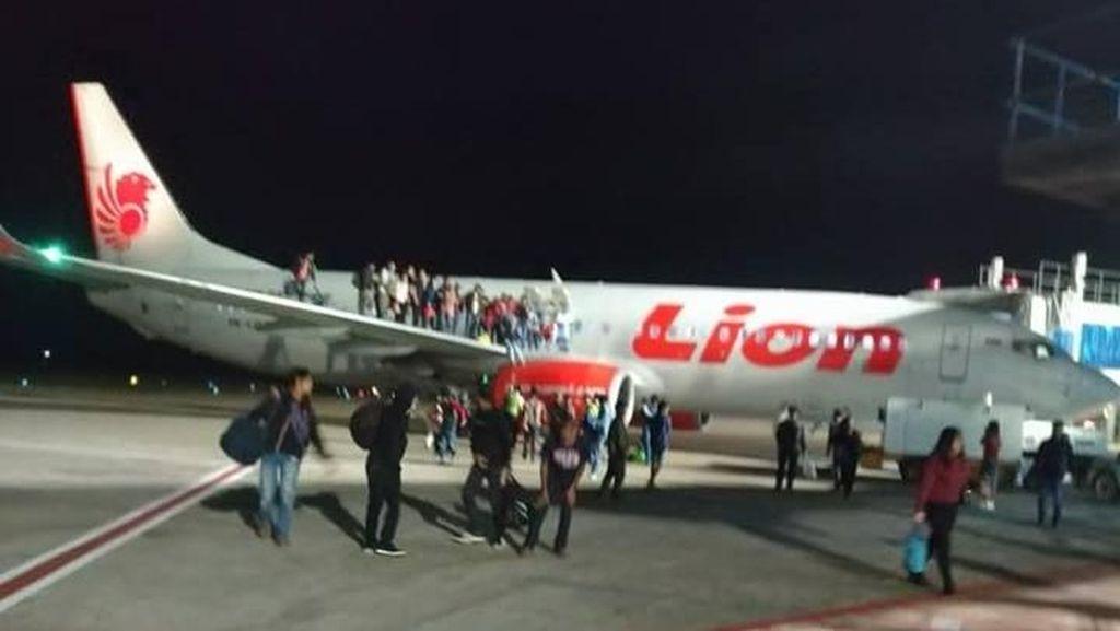 Foto: Paniknya Penumpang Lion Air Akibat Ancaman Bom