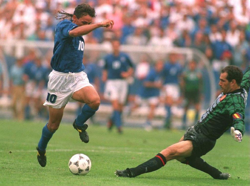 Yuk Nostalgia! Lihat Video Aksi Terbaik Roberto Baggio di Piala Dunia