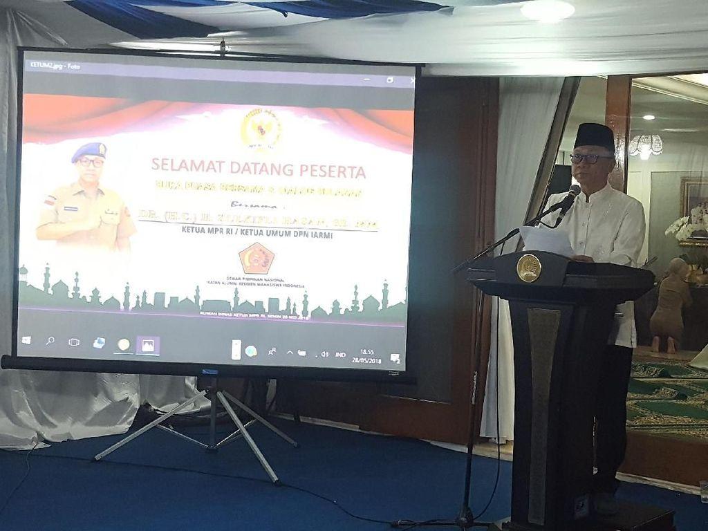 Buka Bareng Alumni Menwa, Ketua MPR Sindir Rekomendasi Dai Kemenag