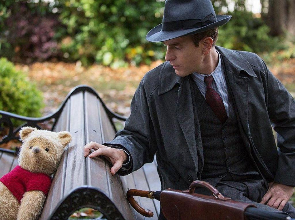 Disney Rilis Poster Menggemaskan Karakter Christopher Robin
