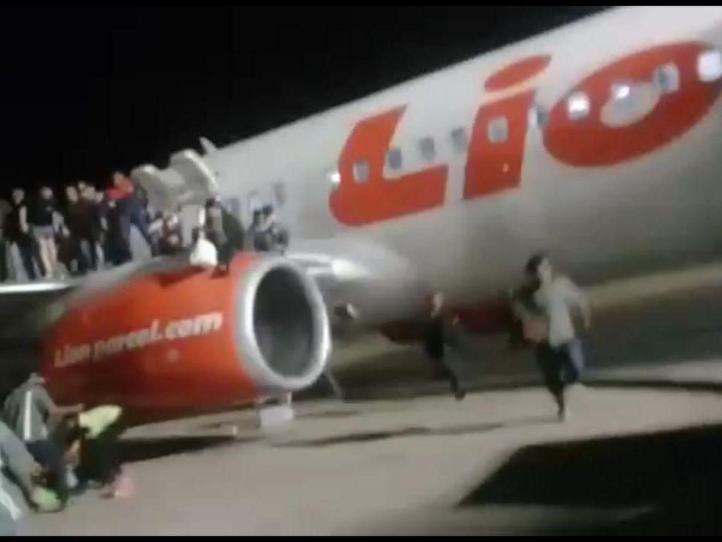 Anggota DPR: Lion Air Arogan Polisikan Pembuka Jendela Darurat!