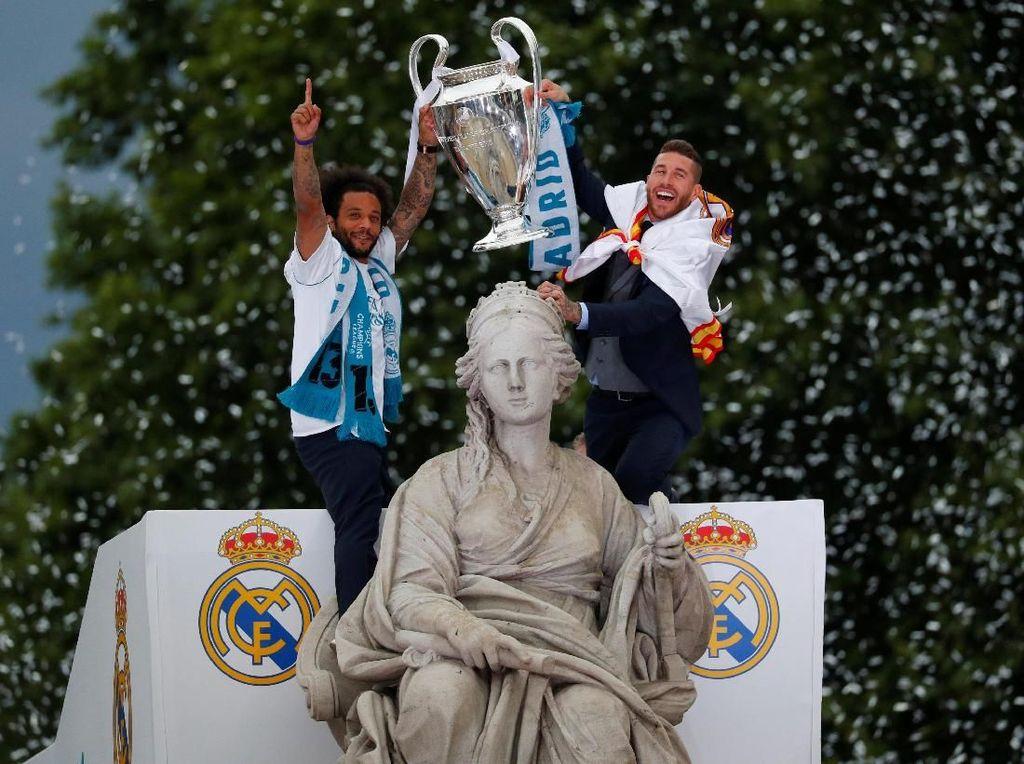 Parade La Decimotercera Real Madrid