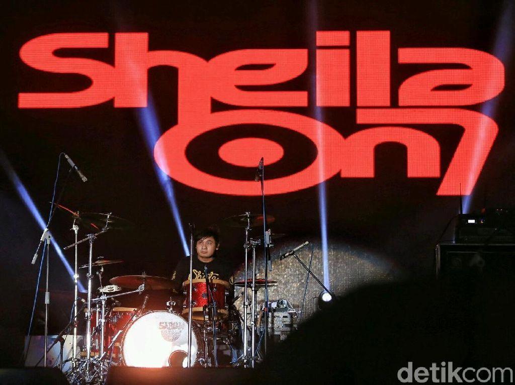 Lirik dan Chord Lagu Sephia dari Sheila On 7