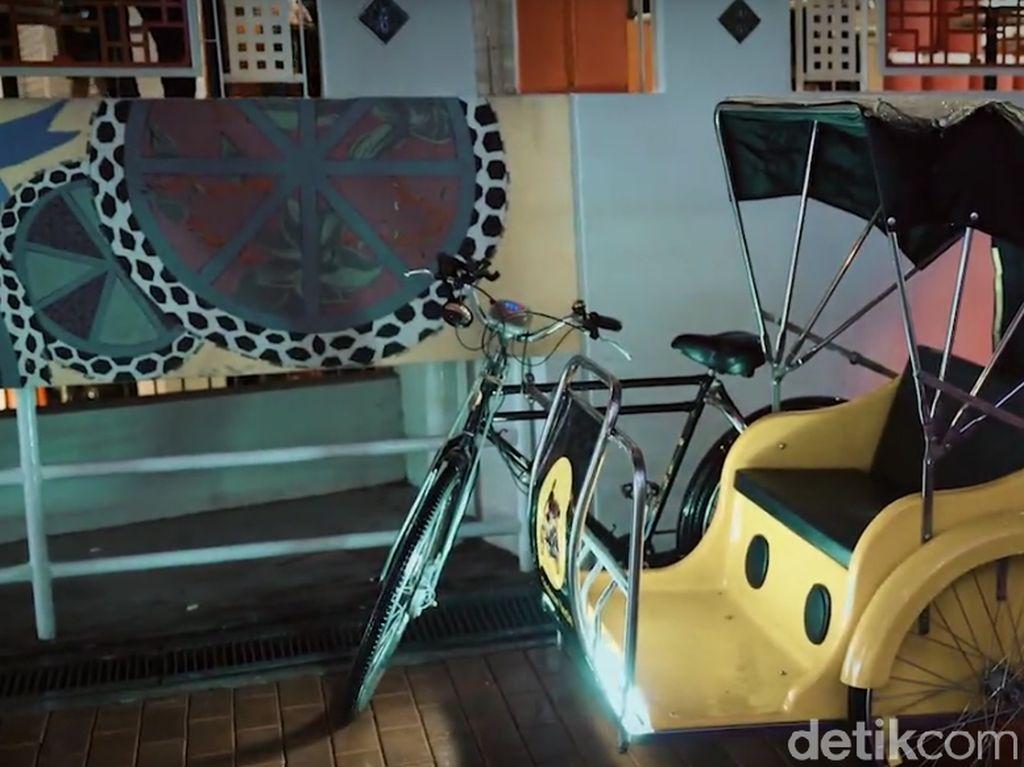 Begini Asyiknya Naik Becak di Singapura