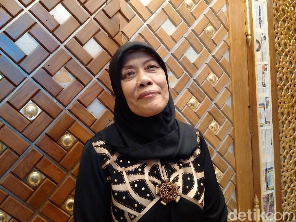 Tangis Suciati Dengar Azan Pertama dari Masjid yang Dibangunnya
