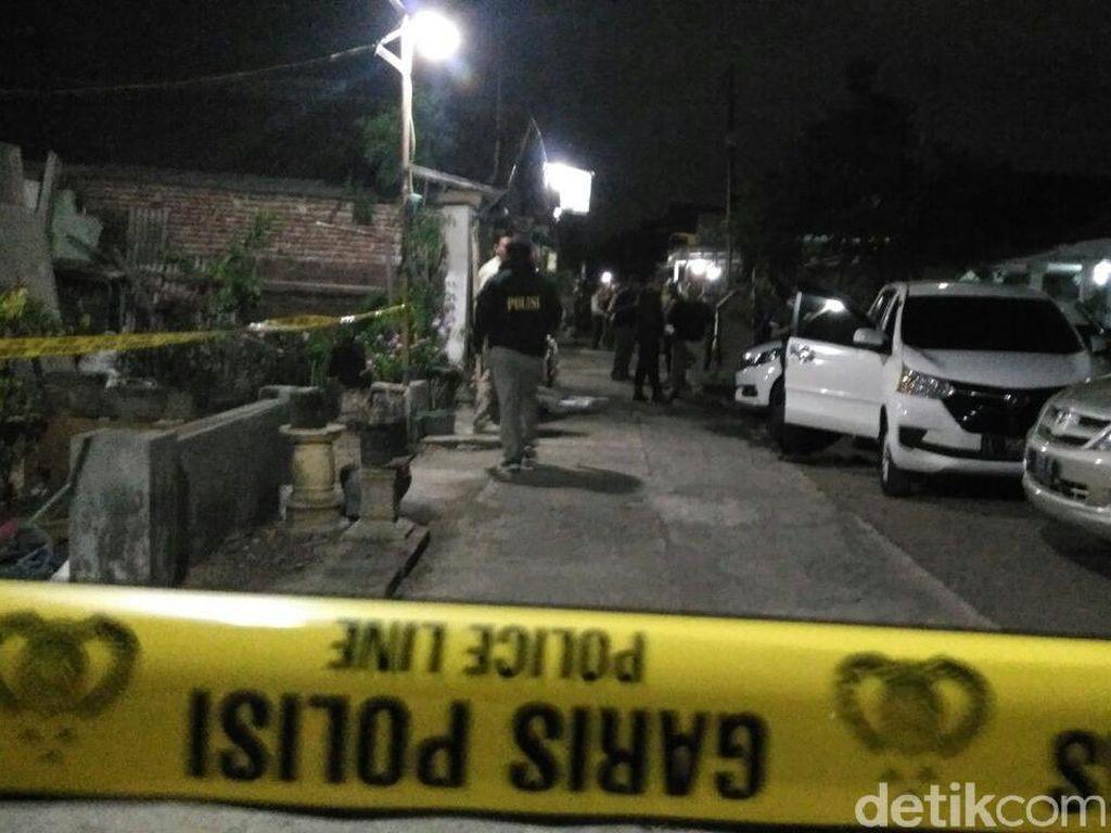 Densus 88 Amankan Tiga Terduga Teroris di Probolinggo