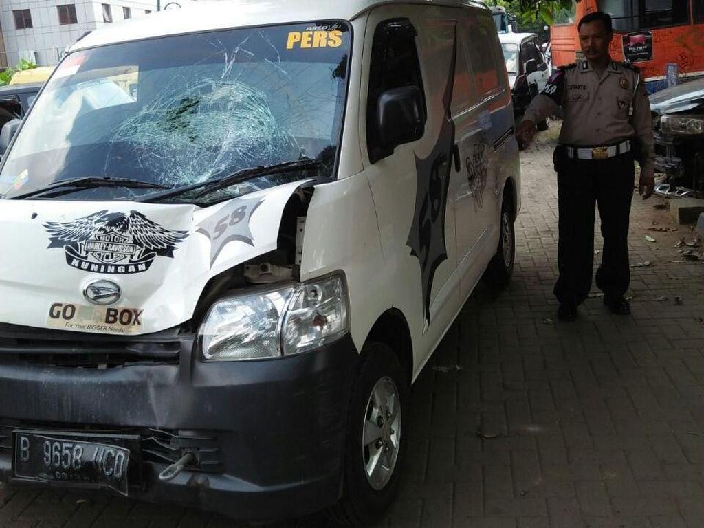 Foto: Ini Mobil Boks yang Tabrak PPSU Hingga Tewas