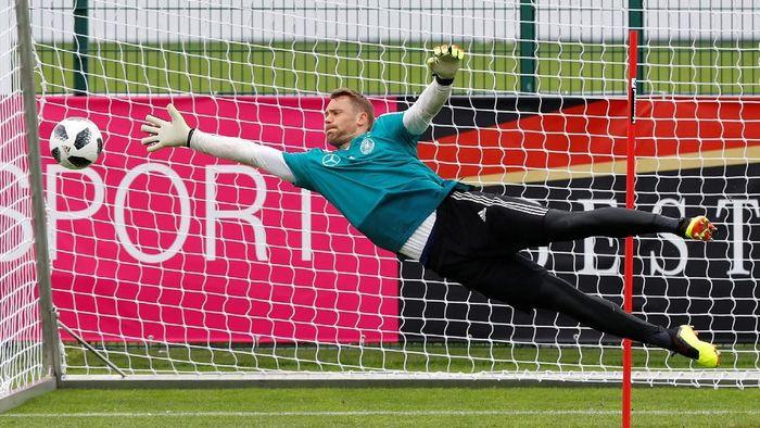 Manuel Neuer akan diturunkan saat Jerman berujicoba melawan Austria (Foto: Leonhard Foeger/Reuters)