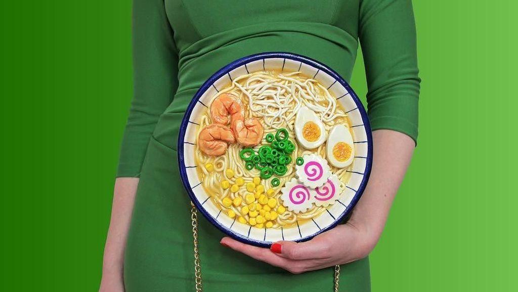 7 Tas Ini Bentuknya Mirip Banget Makanan, Bikin Lapar