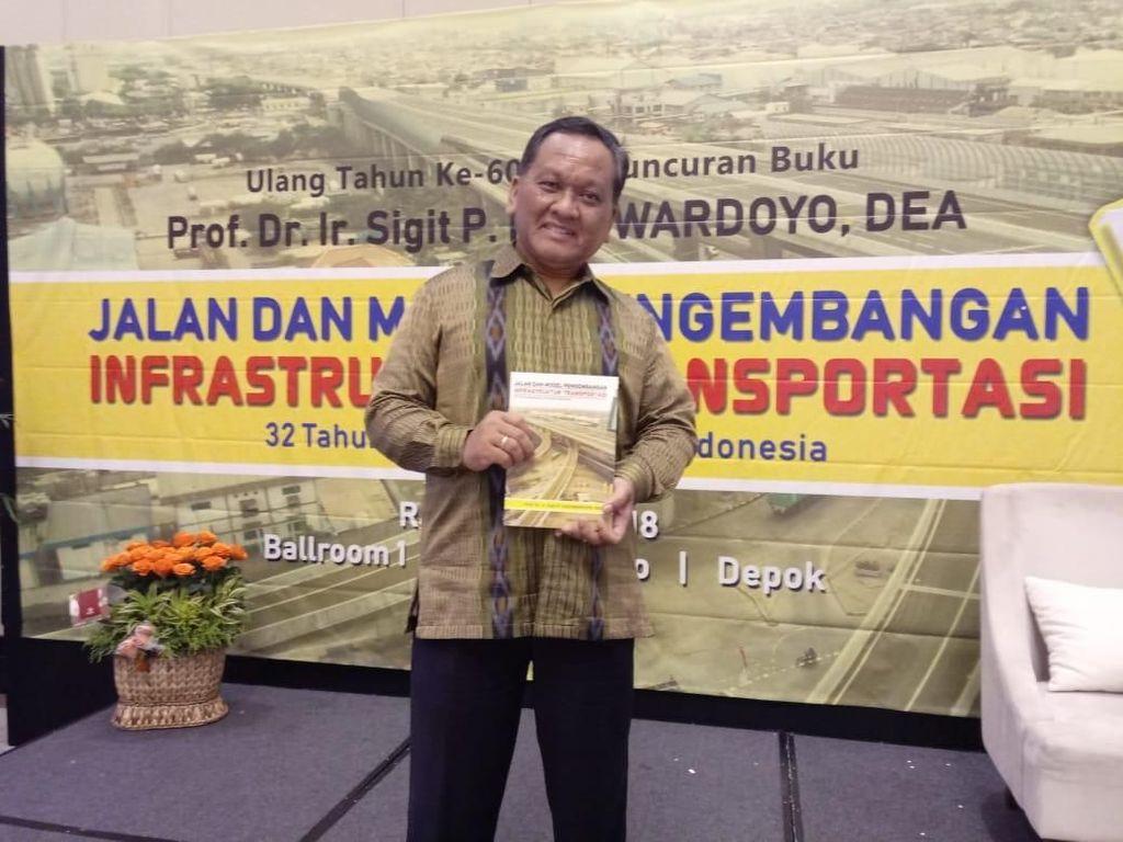 Guru Besar UI Luncurkan Buku Soal Transportasi